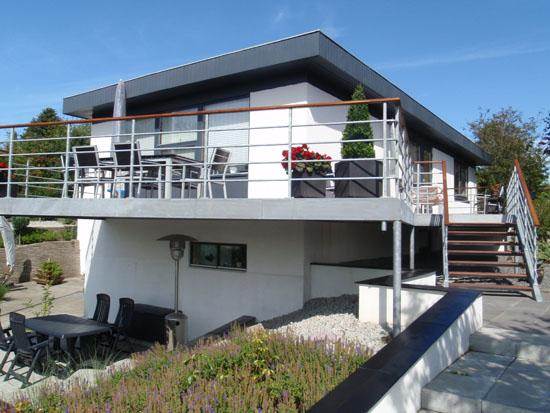 Flot altan monteret i hjørring med cumaru terrasseplanker.